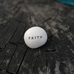 Magic Pebble - FAITH silver gray