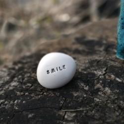 Magic Pebble - SMILE silver gray