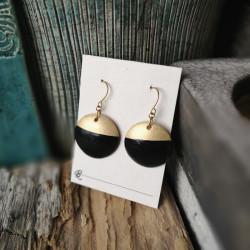 Minimalista kerámia ékszer / fekete - arany kör fülbevaló