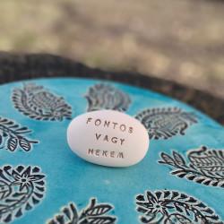Varázskavics - FONTOS VAGY NEKEM arany