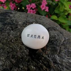 Varázskavics - KARMA ezüst